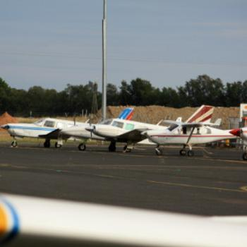 9710 lined up like soldiers, Dubbo Airport,NSW, 10th Apr'09, Kate/Sydney