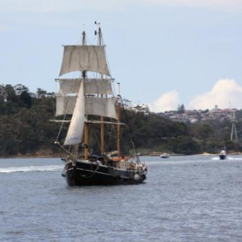 2411 3 masted Pirate Ship from Fort Denison, Island Hopping,11th Oct09, Kate/Sydney