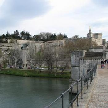 Pont de Avignon, looking back to the Palais de Papes