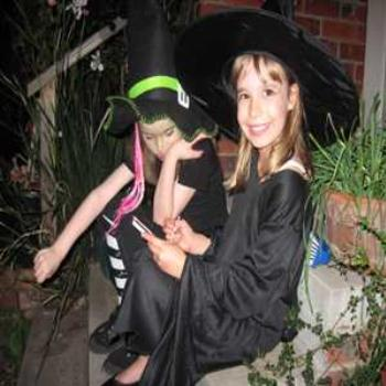 Cutest little witches EVER! (Halloween Down-under '09/LankyYank)